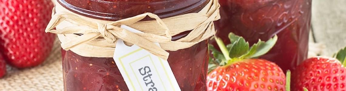 Сладко от ягоди, сироп от бъз и вишновка – трите задължителни рецепти за пролетно-летния сезон.