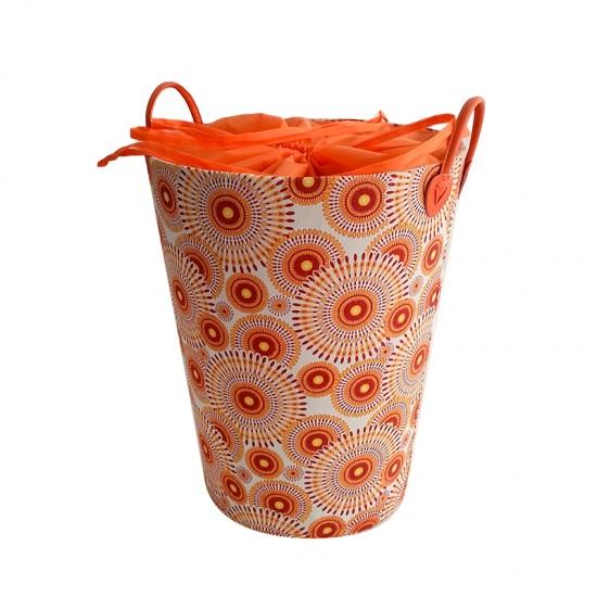 Кош за дрехи в червено и оранжево, кръгъл